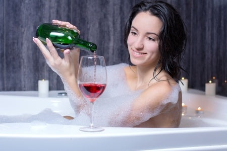 CREATING THE PERFECT ATMOSPHERE FOR A BATH AND WINE
