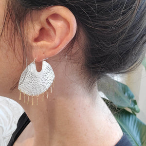 Medium 18kt Fringed Gibbous Moon Hoops
