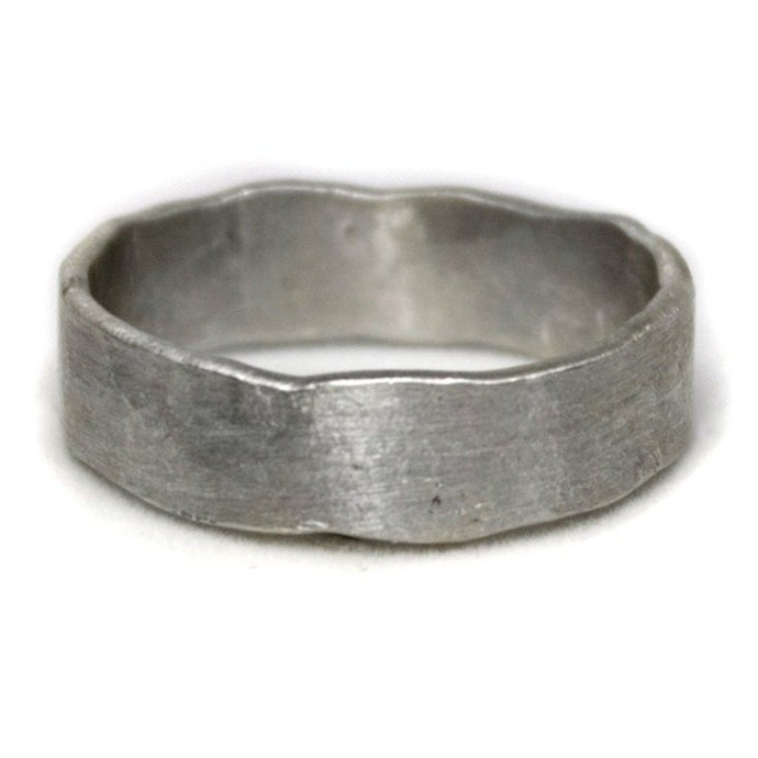 Thick Classic Hammered Band