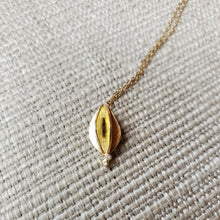 Seed Pod with Triplet Diamonds 14kt