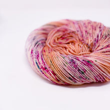 MOMS FAVORITE LILY - Dyed to order