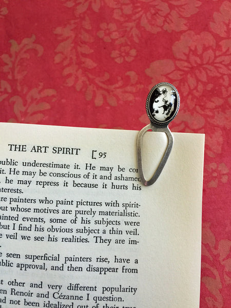 ALICE in WONDERLAND - Down the Rabbit Hole Silhouette Bookmark