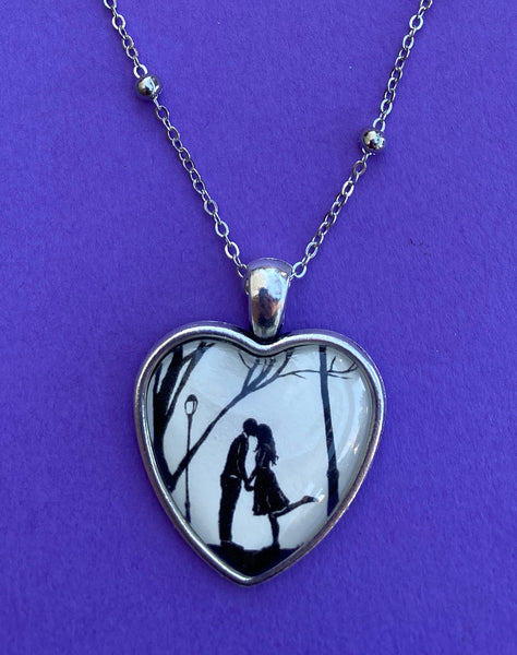 AUTUMN KISS Heart Necklace - pendant on chain - Silhouette Jewelry