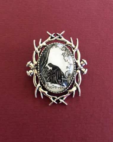 SLEEPING BEAUTY Brooch - Silhouette Jewelry