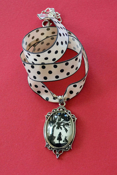 ALICE IN WONDERLAND Choker Necklace, pendant on ribbon - Silhouette Jewelry