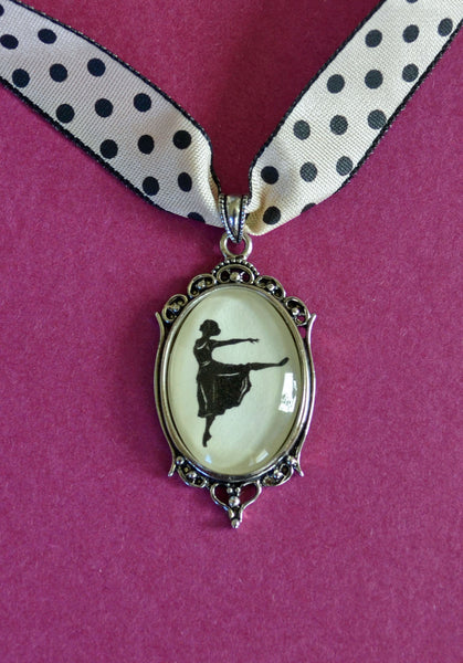 MARGOT FONTEYN Choker Necklace - pendant on ribbon - Silhouette Jewelry