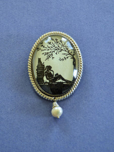 AFTERNOON READING in the PARK Brooch - Silhouette Jewelry