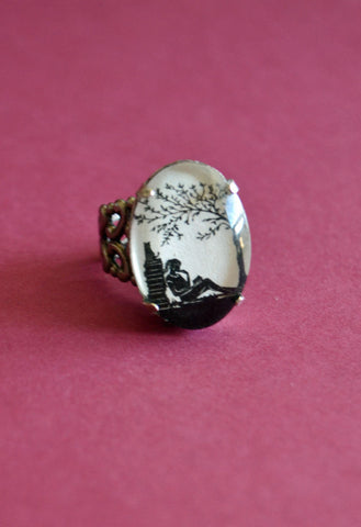 AFTERNOON READING in the PARK Ring - Silhouette Jewelry