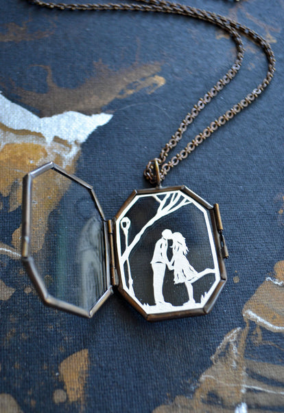 AUTUMN KISS Locket - Hand-Cut Miniature Silhouette Papercut - Glass Locket Necklace
