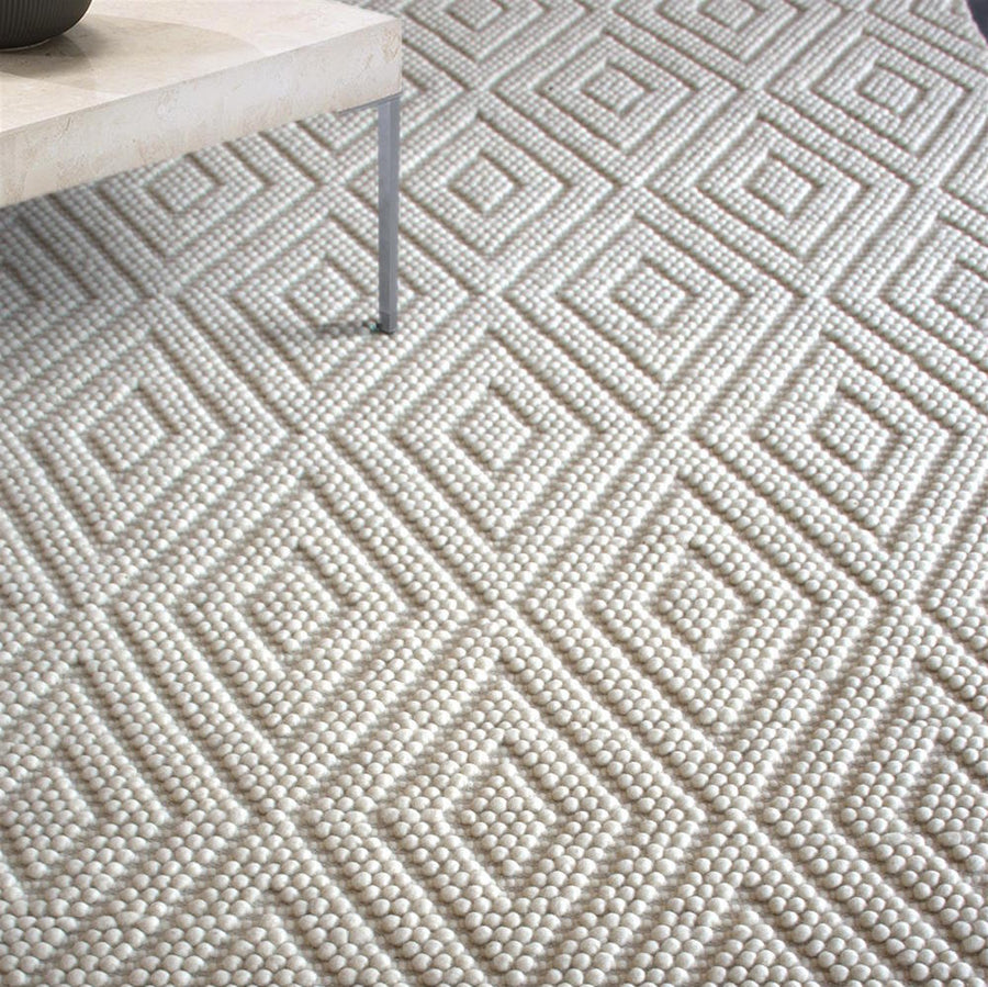 Yebishu Cream White Wool Rug - Staunton and Henry