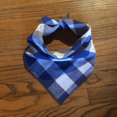Traditional blue and white checkered dog and cat bandana.