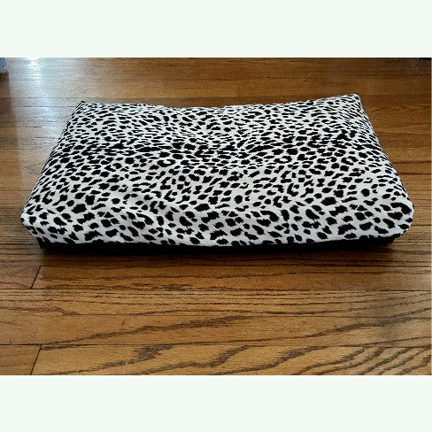 Black & White Cheetah Print Dog and Cat Bed Cover