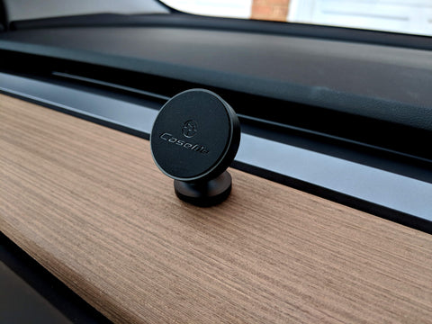Minimalistic Magnetic Phone Mount