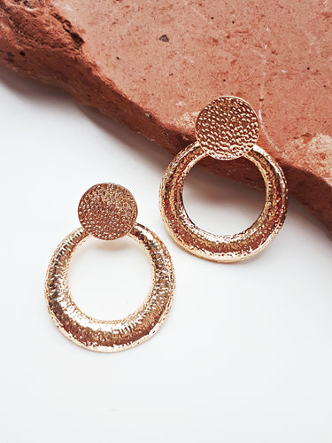 Vintage Style Dimple Earring. [Gold]