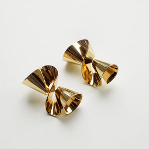 Twist Earring. [Gold]