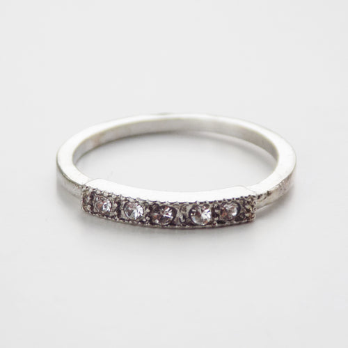 Jewel Row Midi Ring. [Silver]