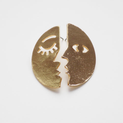 Half Moon Earring. [Gold]