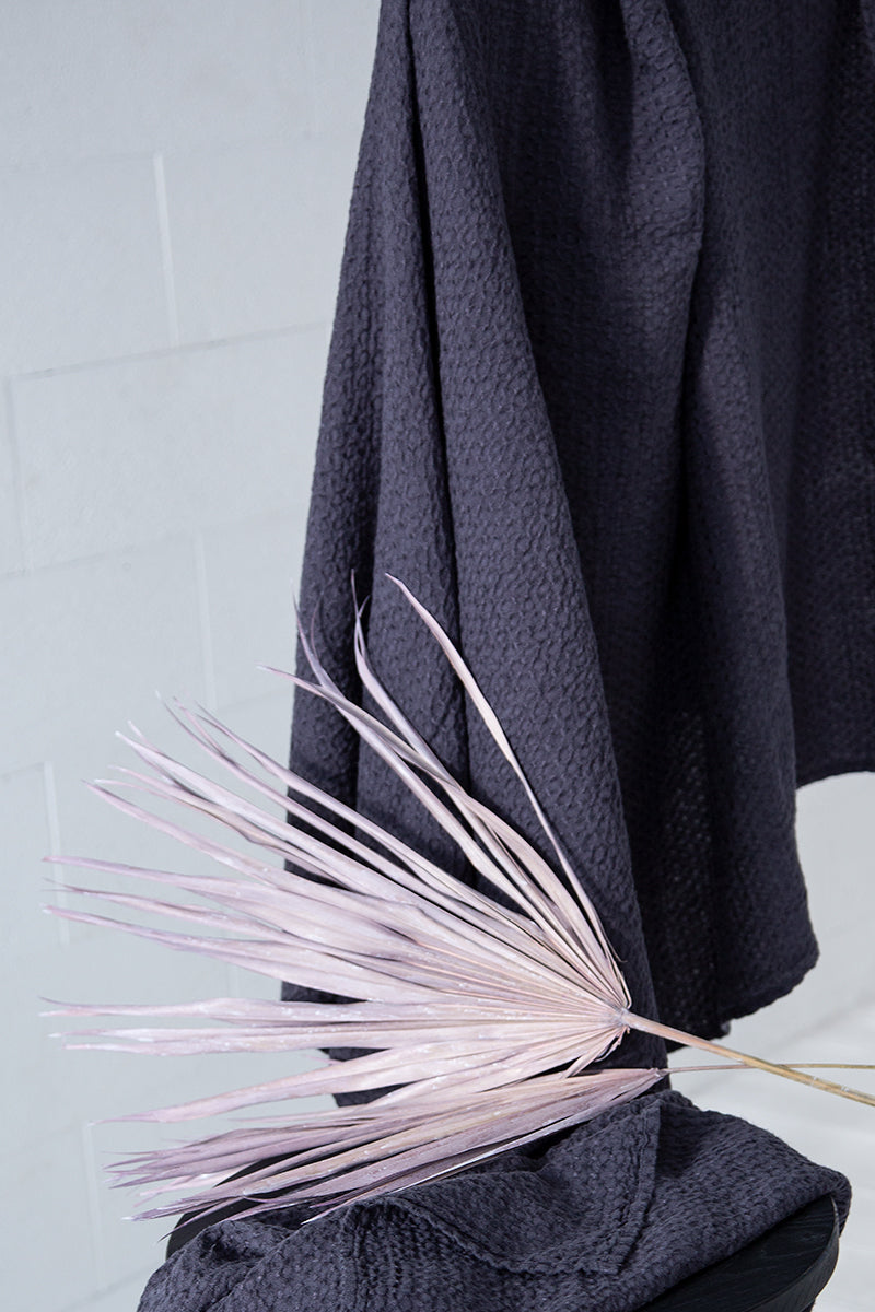Textured Anthracite Linen Towel