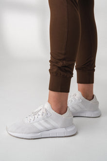 Load image into Gallery viewer, The Women's Select Jogger - Drift
