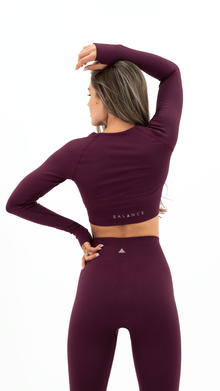Load image into Gallery viewer, Balance Athletica Tops The Energy Crop - Amethyst