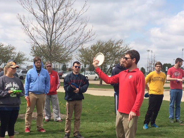 Dana Vicich gives a disc golf lesson