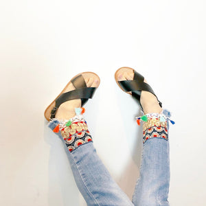 Girls black summer sandals with embroidered jeans