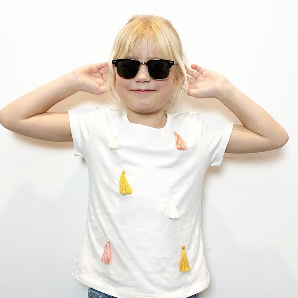 Girls tassel short sleeve t-shirt in white kids clothes