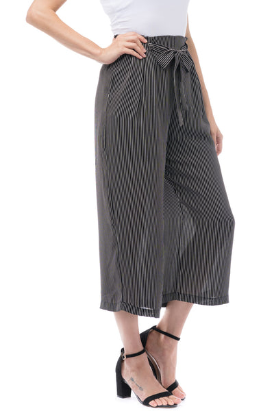 Pin Stripe Cropped Pants