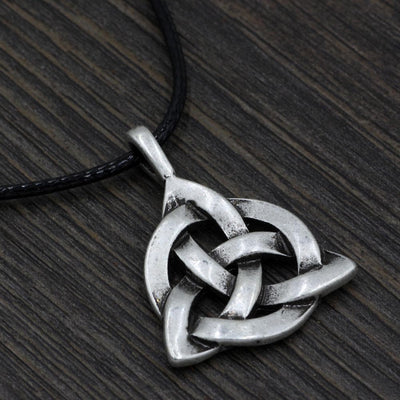 Celtic Triquetra Celtic Pendant Necklace Ancient Treasures Ancientreasures Viking Odin Thor Mjolnir Celtic Ancient Egypt Norse Norse Mythology