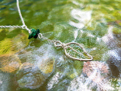 Handmade Wire Rap Jewelry Wire Wrap Malachite Gemstone Leaf Necklace