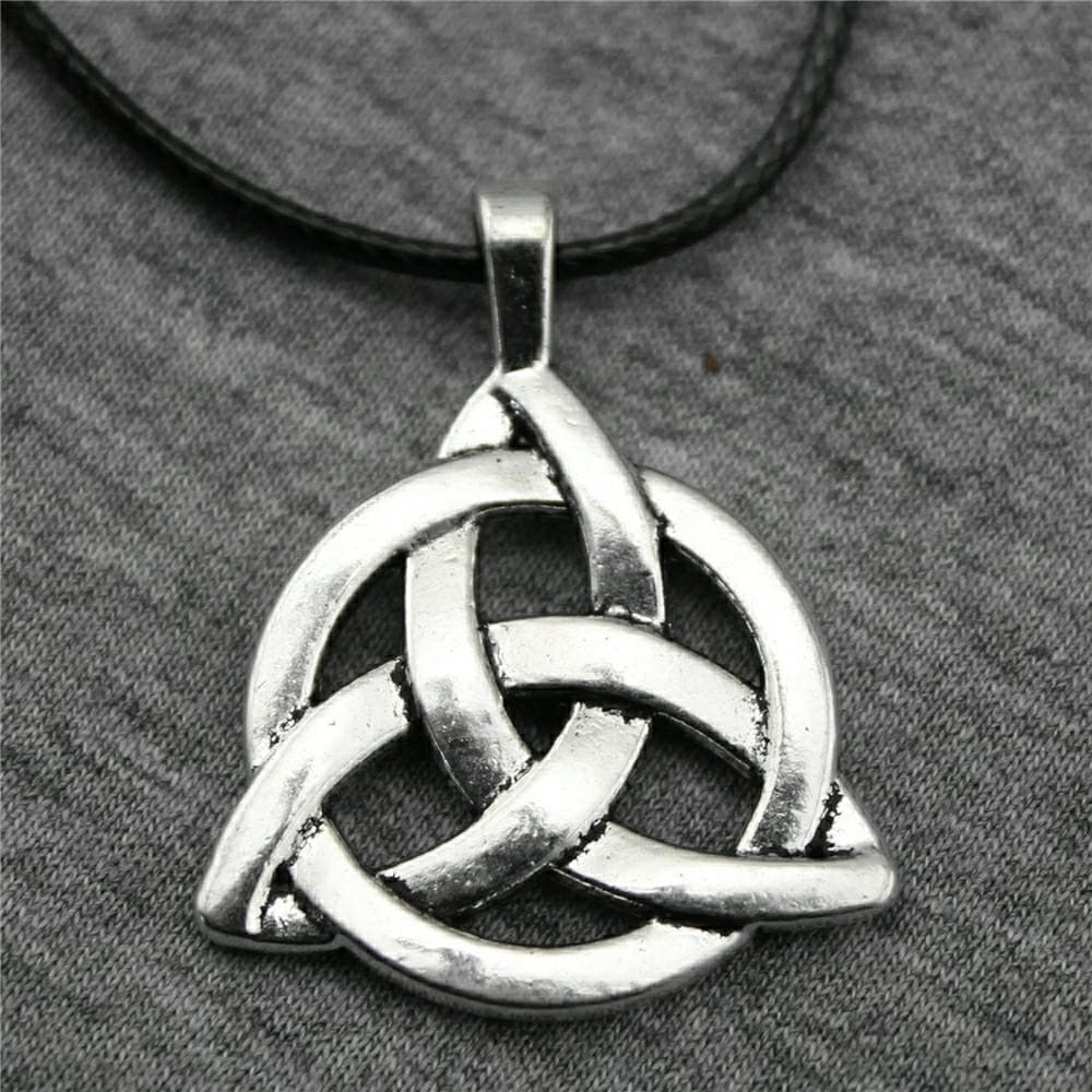 Triquetra Chain Necklace