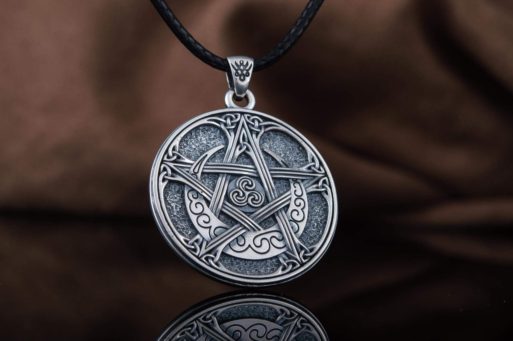Pendants & Necklaces Wiccan Knotwork Pentagram Sterling Silver Pendant with Triskelion Ancient Treasures Ancientreasures Viking Odin Thor Mjolnir Celtic Ancient Egypt Norse Norse Mythology
