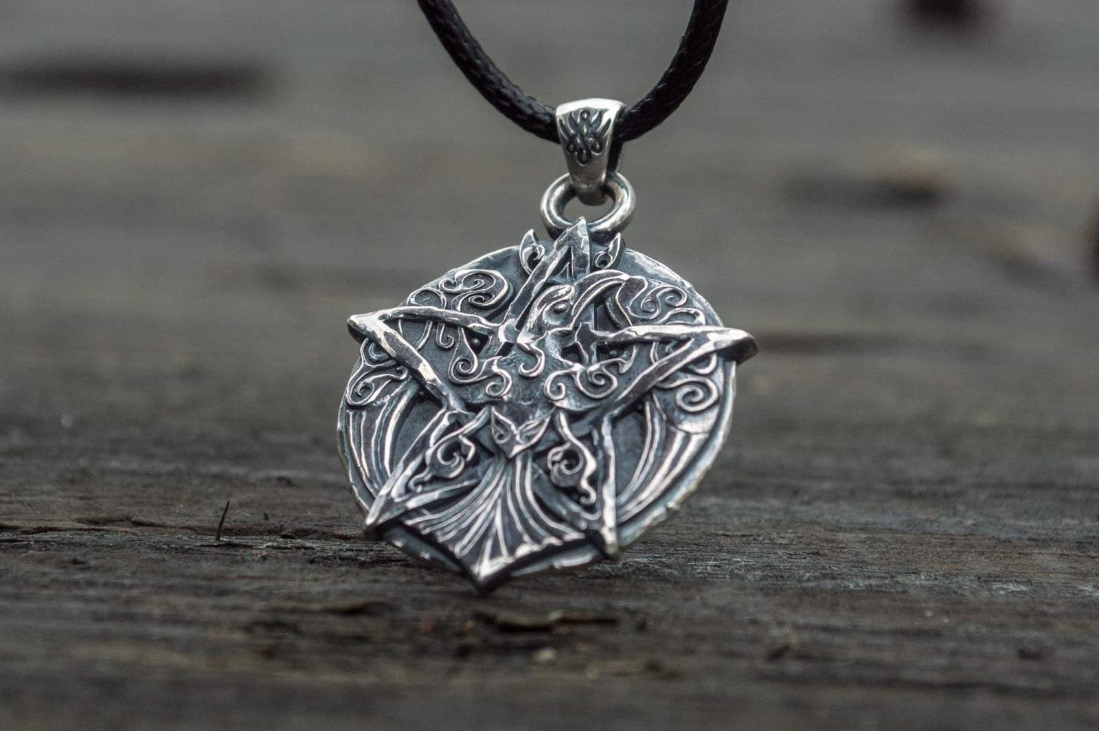 Pendants & Necklaces Wiccan Raven on Pentagram with Ornament Sterling Silver Crown Pendant Ancient Treasures Ancientreasures Viking Odin Thor Mjolnir Celtic Ancient Egypt Norse Norse Mythology
