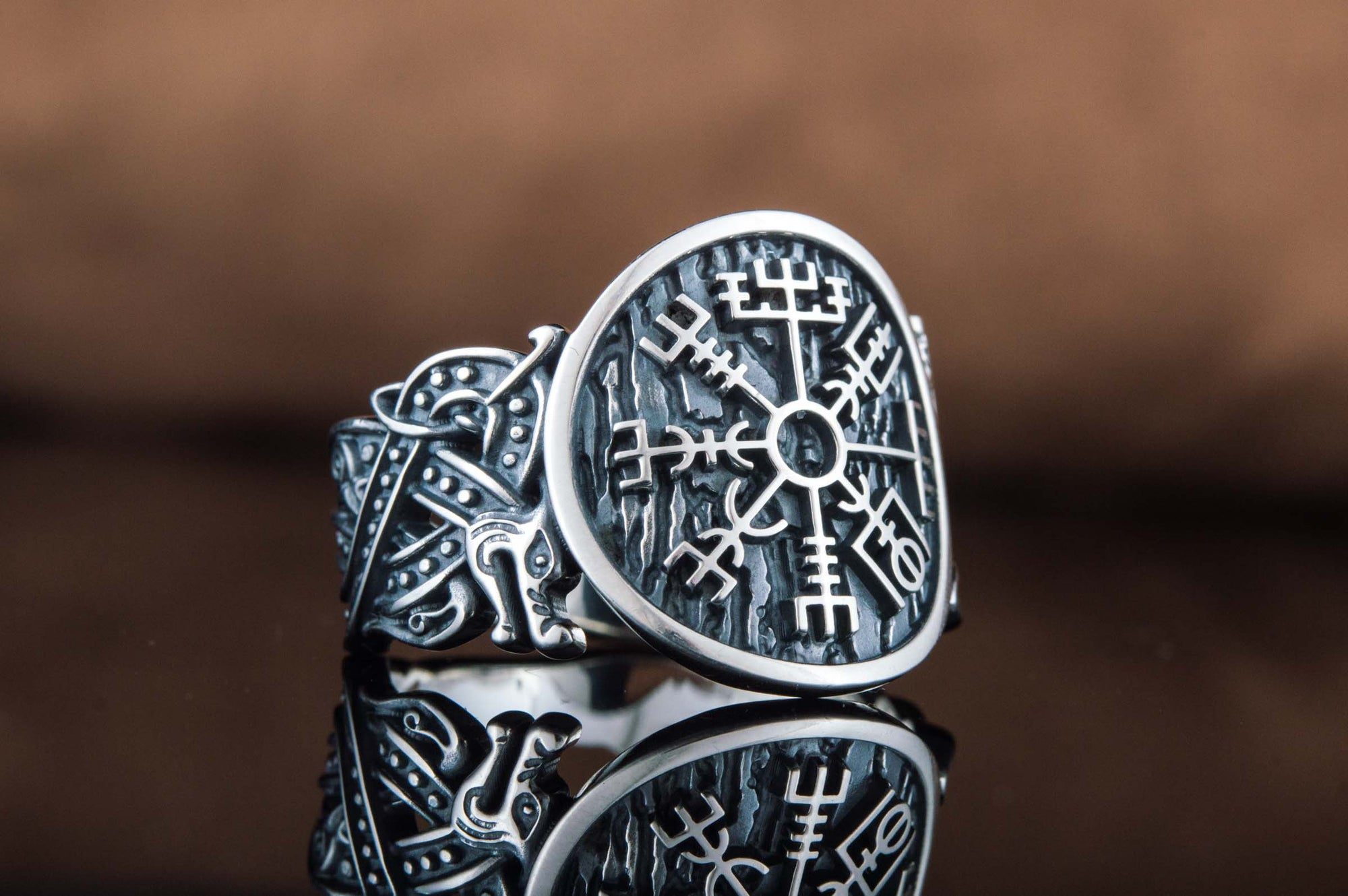 Viking Vegvisir Sterling Silver Ring with Wolf Ornament
