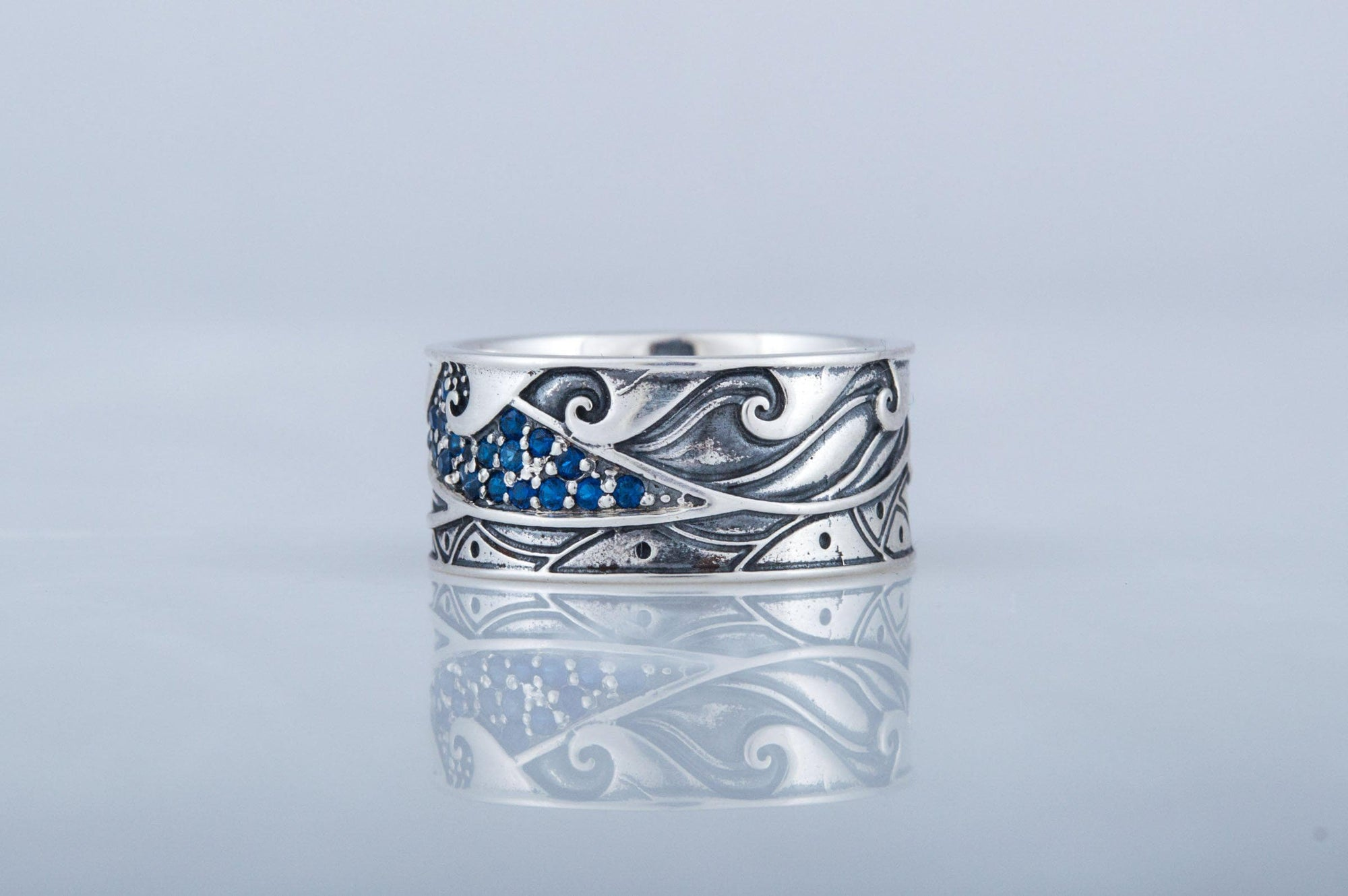 Viking Wave Ornament Sterling Silver Ring with Cubic Zirconia