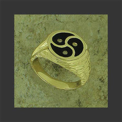 BDSM Emblem Ring - 18 kt yellow gold