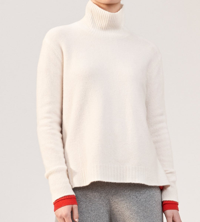 Plush Cashmere Essential Turtleneck