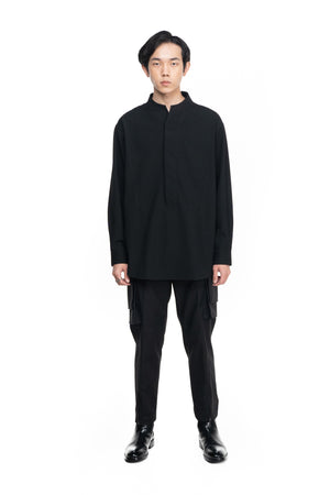 BLACK HALF OPENING OVERSIZED SHIRT