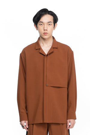 BROWN LOOSE CAMP COLLAR WITH HIDDEN POCKET