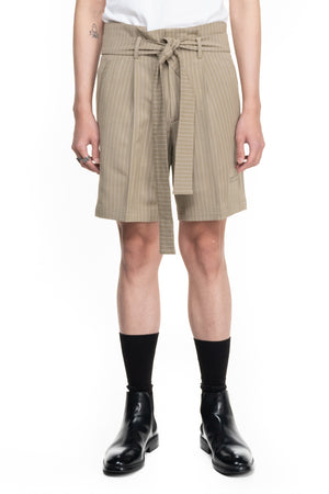 BEIGE STRIPPED SHORT PANTS WITH PLEATS AND BELT