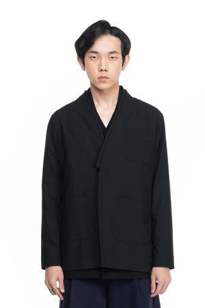BLACK COLLARLESS OUTER