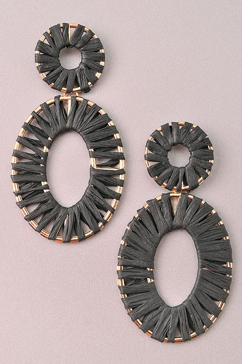 GlamQ Sophia Earrings-Black