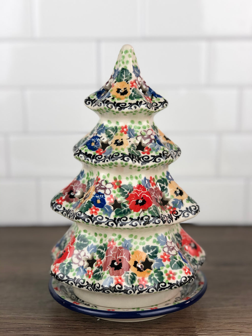 "8"" Christmas Tree - Shape 602 - Pattern U3638"