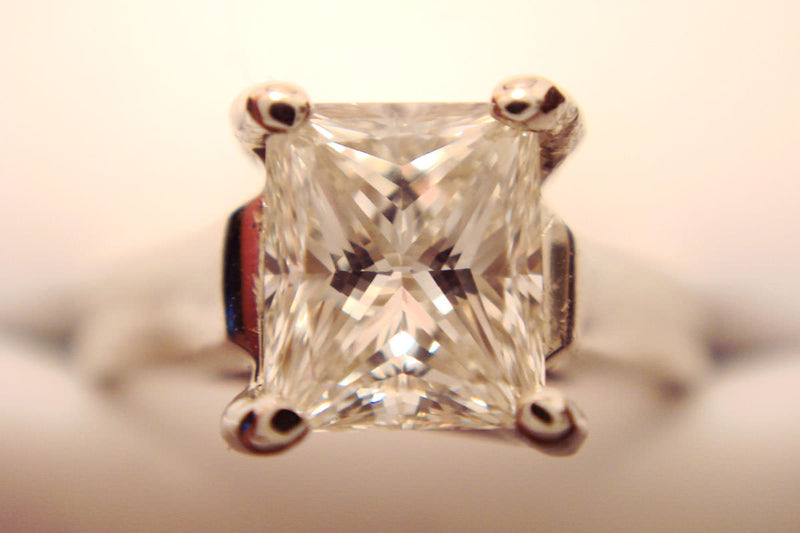 71315a54b Read This Before Buying That Diamond Engagement Ring – Couture USA