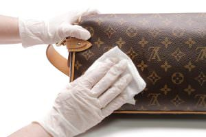 b0420d45b428 Danielle told us that Monogram Canvas is dark-hued and porous