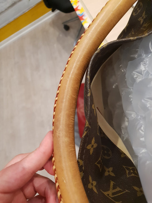 Louis Vuitton Monogram Artsy GM Bag