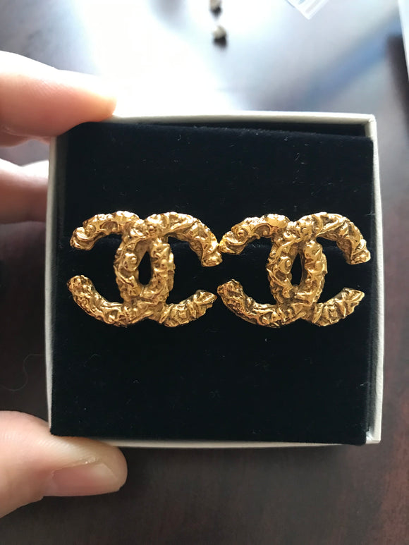 Chanel CC Stud earrings