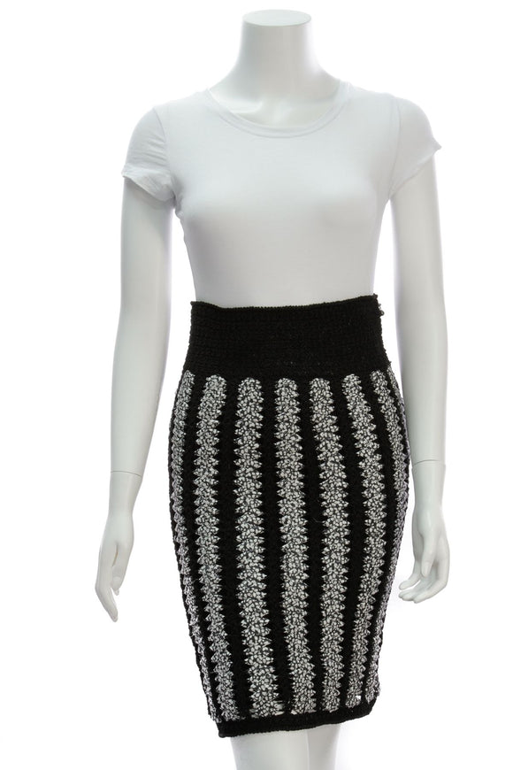 chanel-pencil-skirt-blackwhite