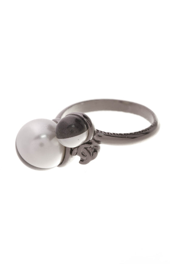 Chanel Pearl CC Ring Black White Size 6
