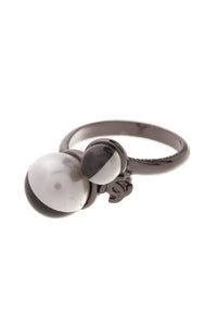 Chanel CC Pearl Ring Black White Size 6